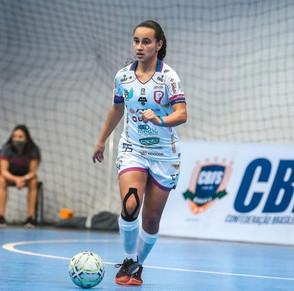Amanda Kevini reforça o Leoas da Serra