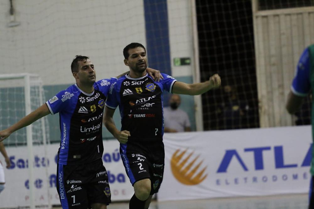 Crédito: Gustavo Ribeiro - Valença comemorando o gol do empate.