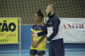 Jackinha é no reforço do Stein Cascavel Futsal