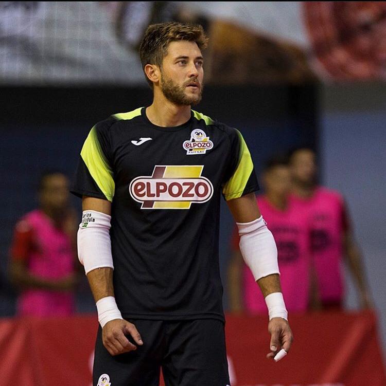Crédito: Divulgação Instagram -  Espindola é convocado no lugar do Guitta, após sofrer uma lesão no treino.
