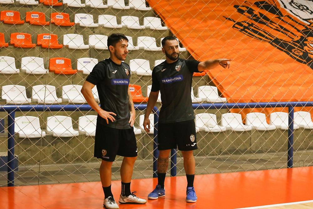 Crédito: Ulisses Castro - Dener (esq) e Murilo (dir) estão na sua segunda passagem pela ACBF