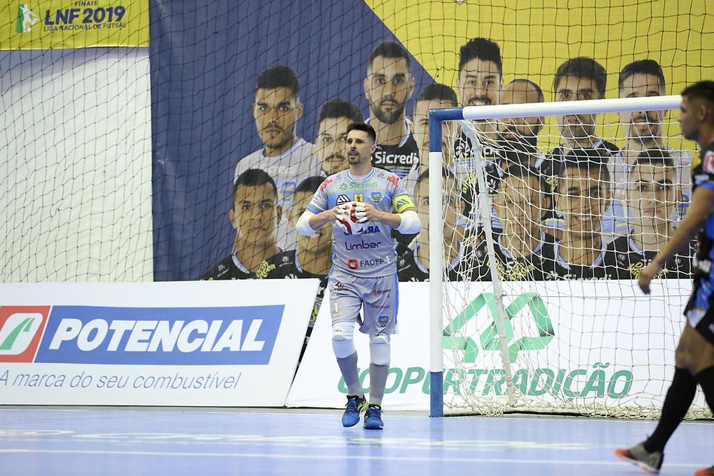Crédito: Mauricio Moreira - Djony, goleiro do Pato, foi eleito o Craque da LNF2019
