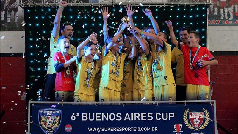 Crédito: Super Esporte 10 - Aurinegro voltou com dois títulos da Buenos Aires Cup em 2020