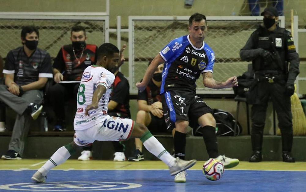 Crédito: Mauricio Moreira - Thiaguinho marcou dois gols no jogo
