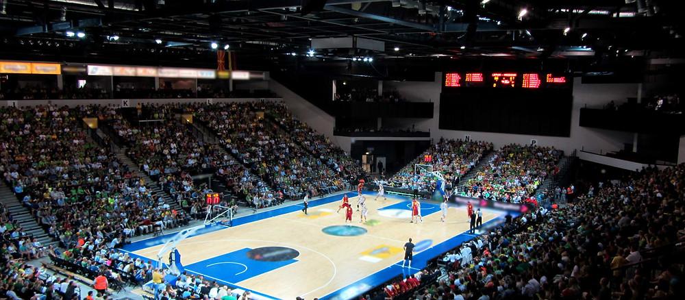 Crédito: Divulgação - Klaipėdos arena localizada na Dubysa Street, perto do terminal de balsas e do maior shopping center da cidade.