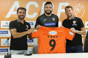 ACBF apresentou o pivô Keko