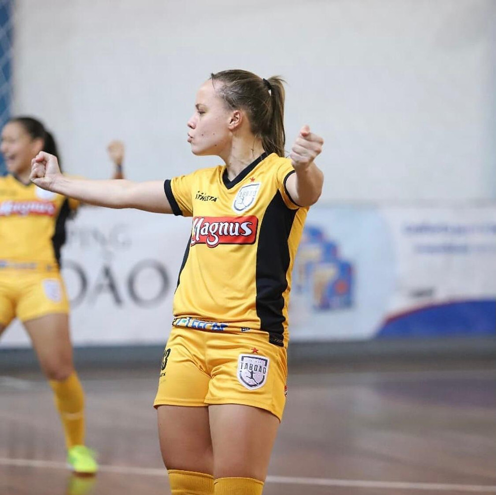Crédito: Yuri Gomes - Natalinha fez o gol da classificação