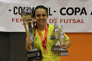 Vanessa Pereira retorna ao futsal brasileiro após seis anos na Europa
