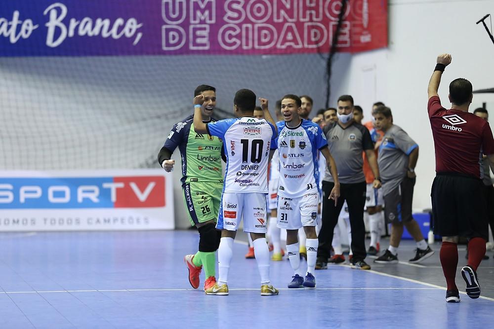 Crédito: Mauricio Moreira - Pato Futsal completa 700 jogos na história