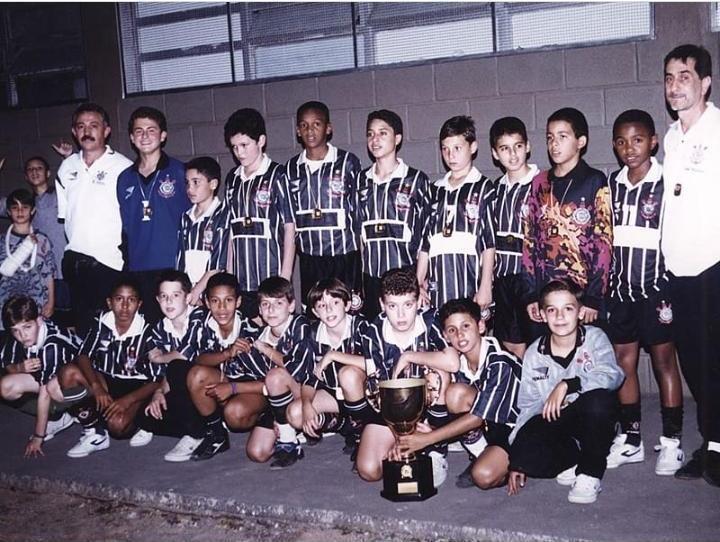 Crédito: Agencia Corinthians - Antes de chegar ao profissional de campo do clube, Jô passou pelo futsal