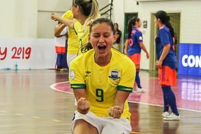 Luana ala da Seleção Brasileira e Taboão Magnus promove campanha para a região de Taboão da Serra