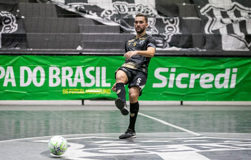 Em jogo emocionante, Ceará vence o Itaporanga na prorrogação e vai às semifinais da Copa do Brasil