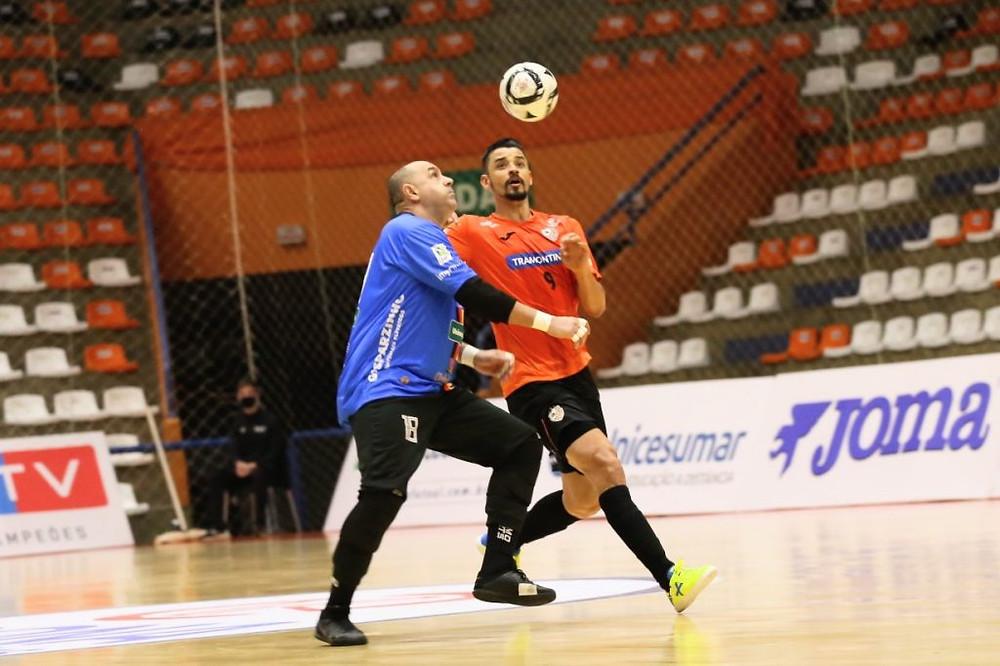 Crédito: Ulisses Castro - ACBF venceu o Blumenau por 5 a 1 no domingo