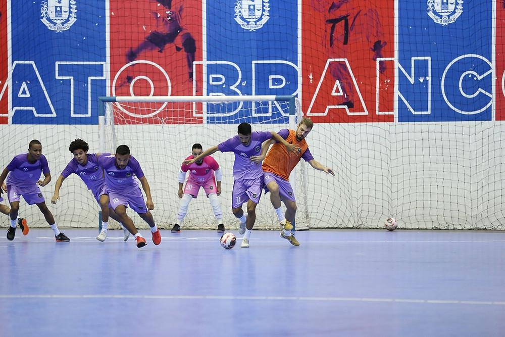 Crédito: Mauricio Moreira - Pato Futsal em preparação para a estreia na Série Ouro