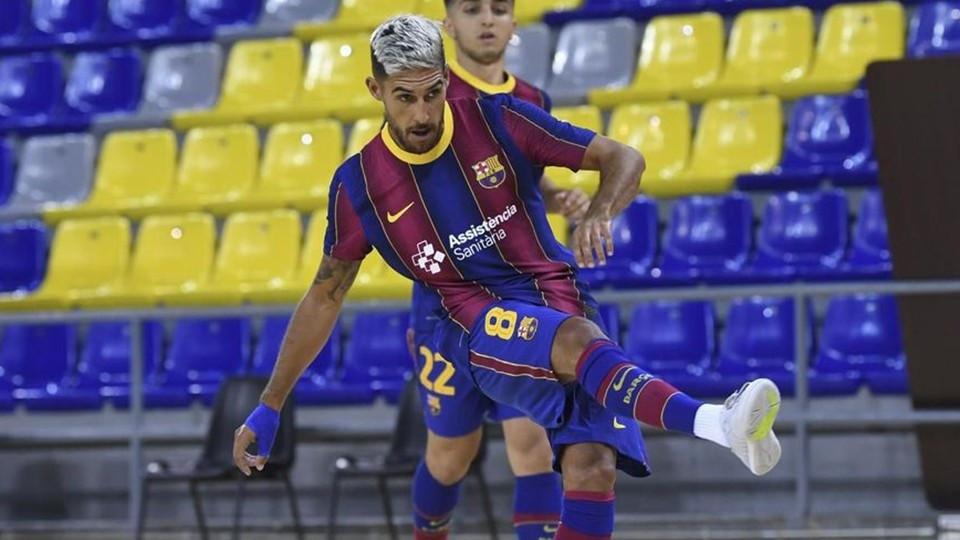 Crédito: LNFS - Adolfo, jogador do Barça.