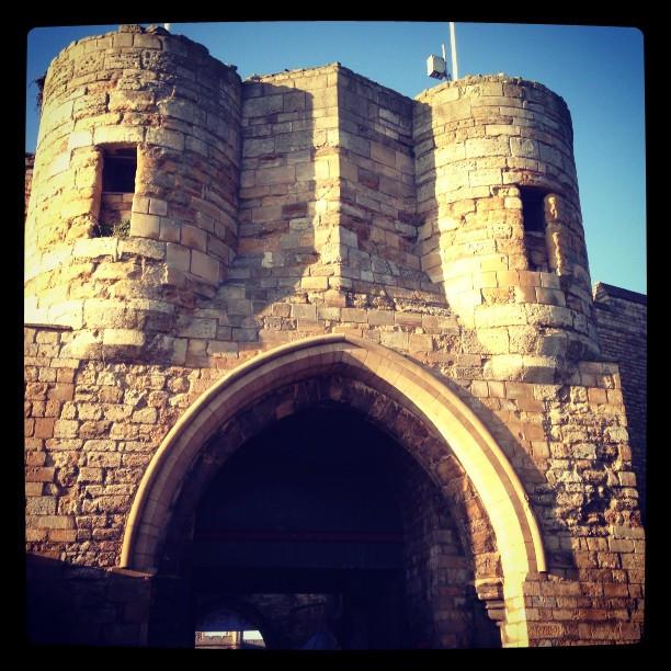 Lincoln_Castle_Entrance.jpg
