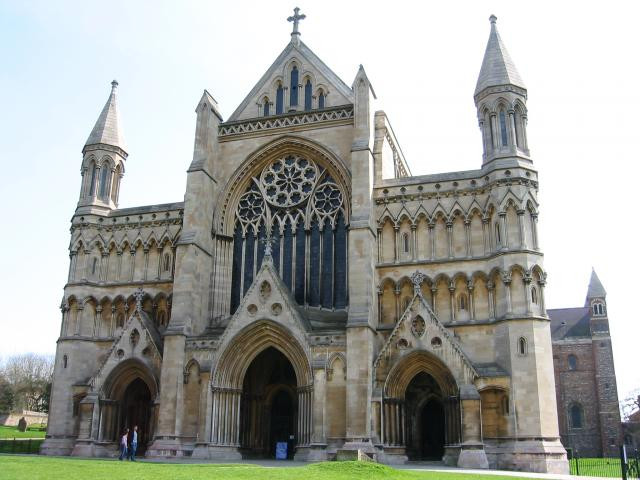 St_Alban's_cathedral_-_geograph.org.uk_-_1344.jpg