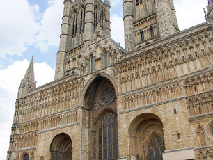 Eleanor's viscera funeral in Lincoln Cathedral