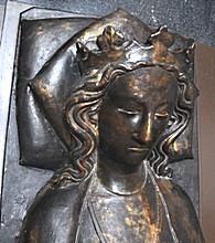 Královna_Eleonora_(detail_bronzového_náhrobku).jpg