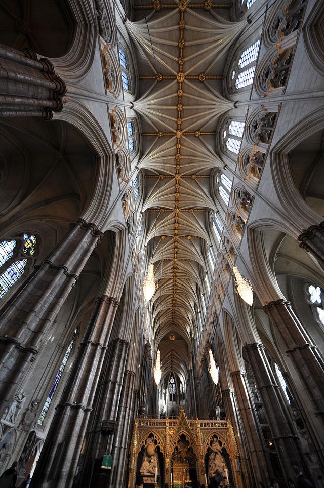Westminster_Abbey_Schiff_innen_4.JPG