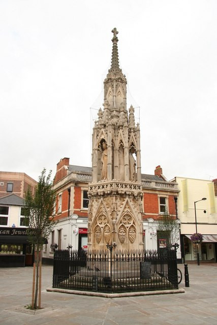 Waltham_Cross_-_geograph.org.uk_-_928911.jpg