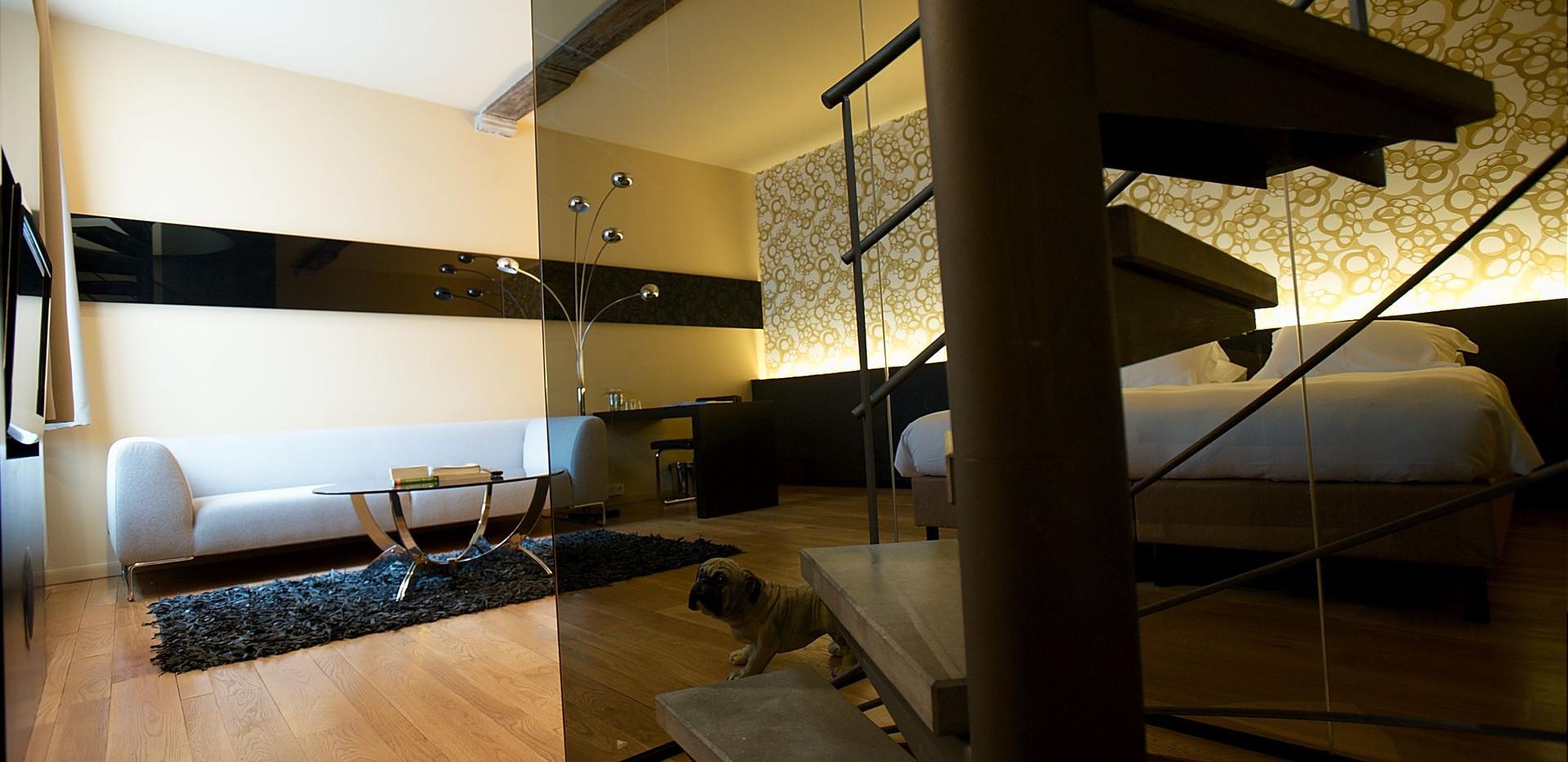 stairs superior suite