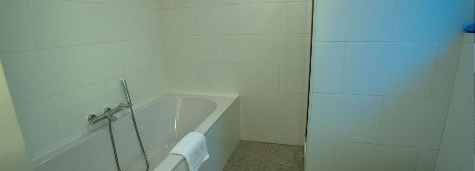 bath jr suite 7