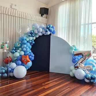 under the sea balloon garland.jpg