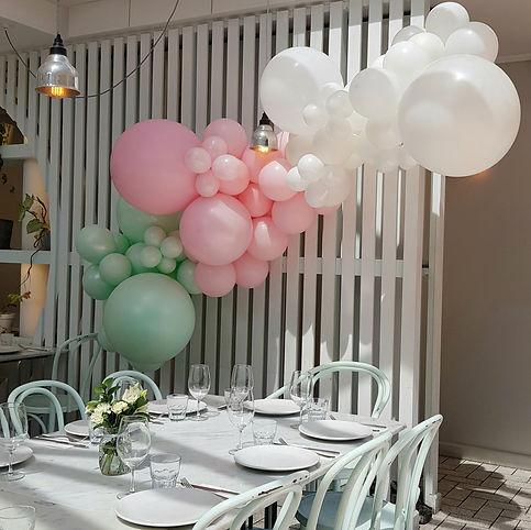 organic balloon garland.jpg