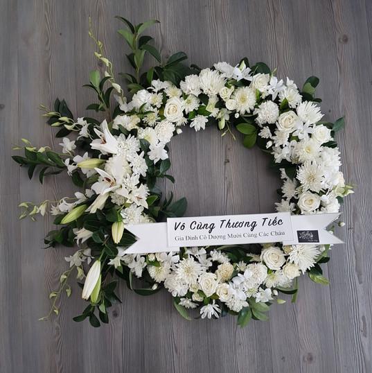 60cm Sympathy Wreath.jpg