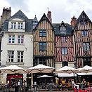 640px-Tours_Place_Plumereau_1.jpg