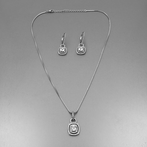 Martusha  Necklace Set