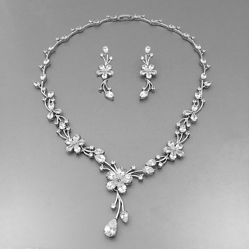 Minu Necklace Set