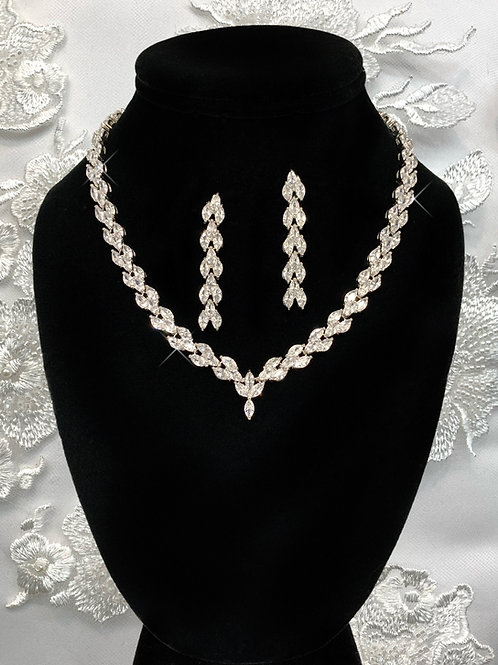 Estera Necklace Set