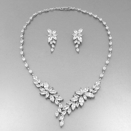 Agusia Necklace Set