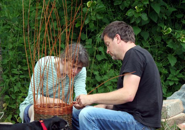 Basketmaking in the garden. May'17