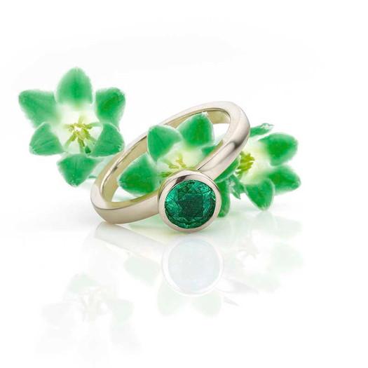 belle ring witgoud smaragd.jpg
