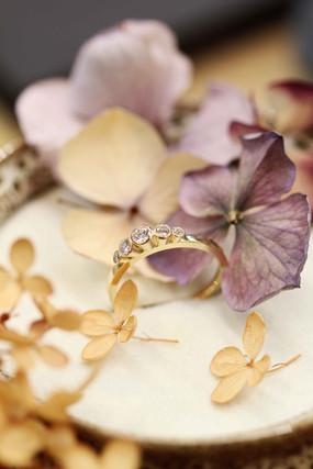 Kroontjes Ring met 5 briljanten_ Atelier