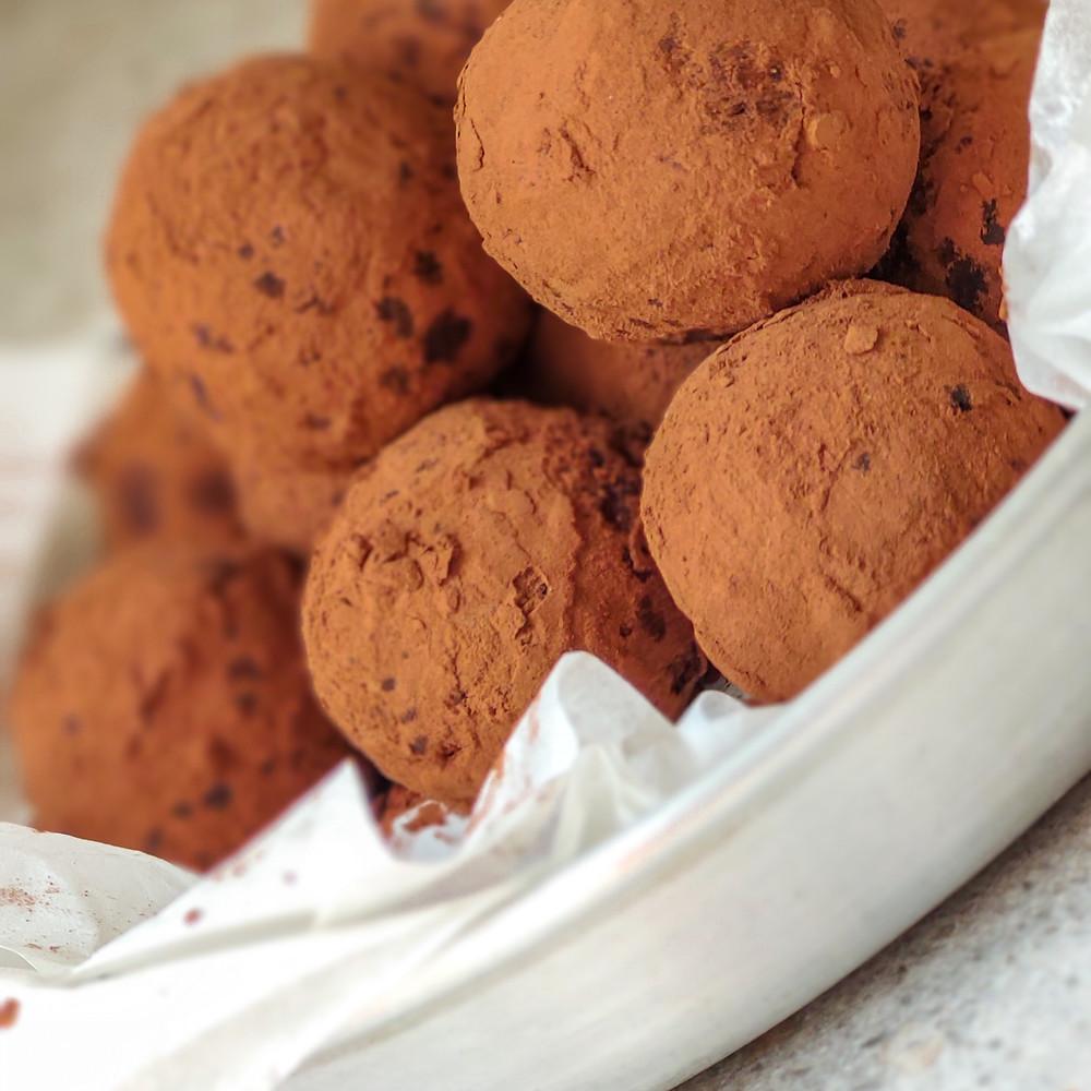 כדורי שוקולד טבעוניים לפסח