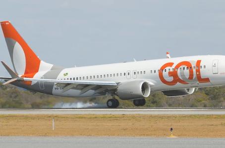 Boeing 737 MAX opera pela 1ª vez no aeroporto Santos Dumont