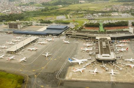 Incidente em Guarulhos: tripulante feita refém