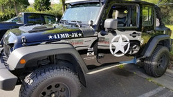 jeep with star