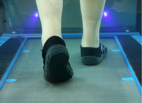lifestyle Aquatic treadmill closeup.jpg