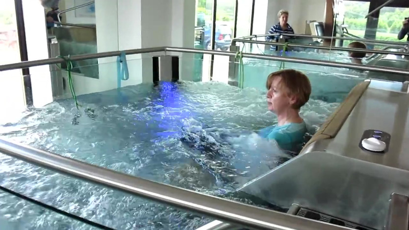 HYDRO PHYSIO Wellbeing Pool in use.mp4