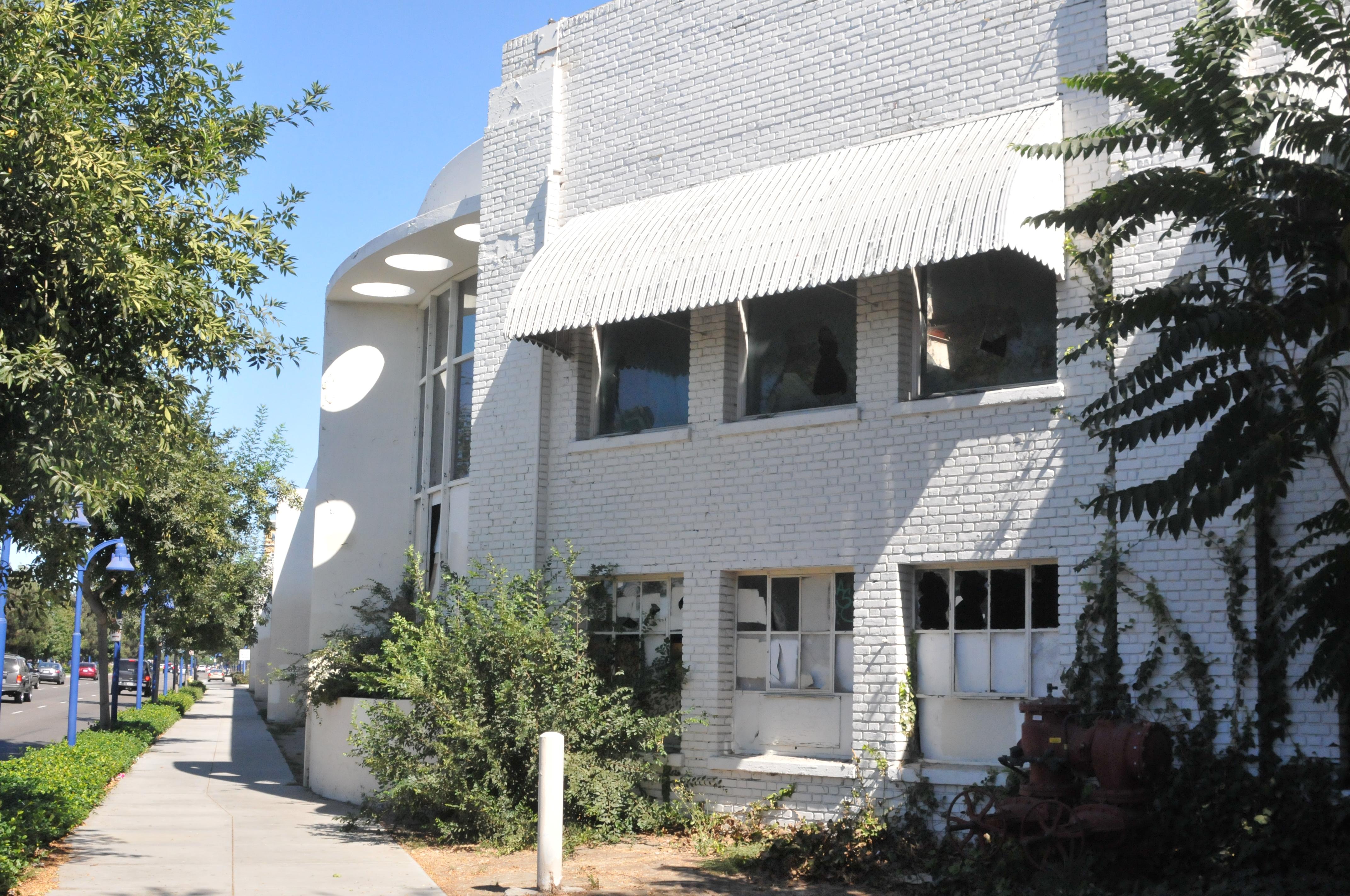 Building 1 Lakewood Blvd.
