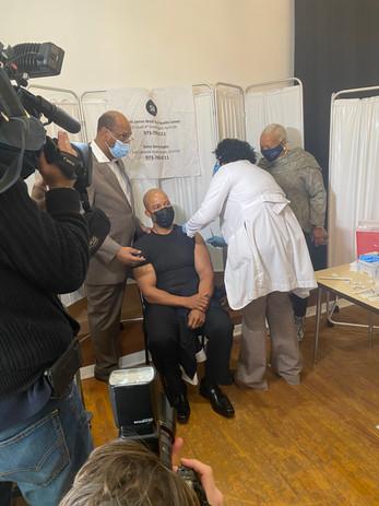 Newark's Leading Black Clergy, Mayor Baraka Publicly Take COVID-19 Vaccine To Raise Confidence
