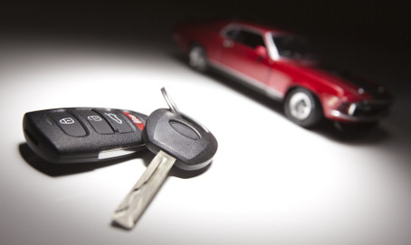 Locksmiths Versus Dealerships for Car Key Replacement