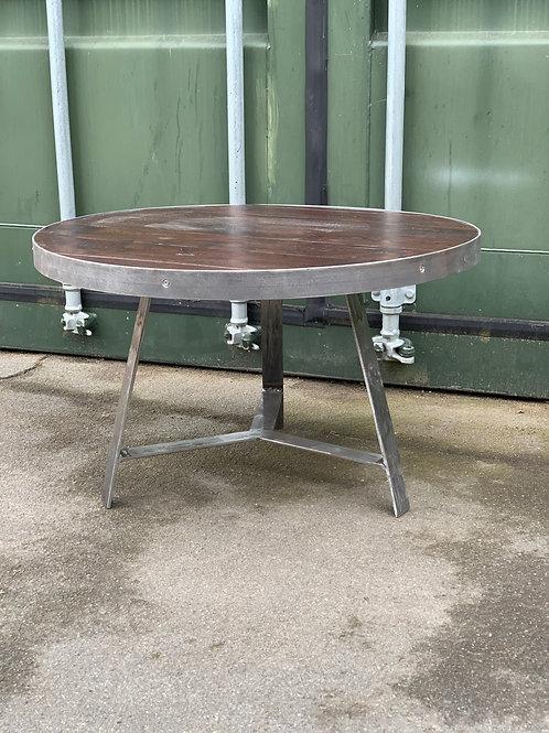 Prop leg coffee table