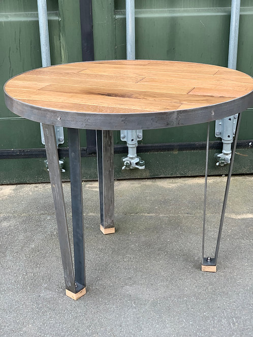 Wedge leg coffee table
