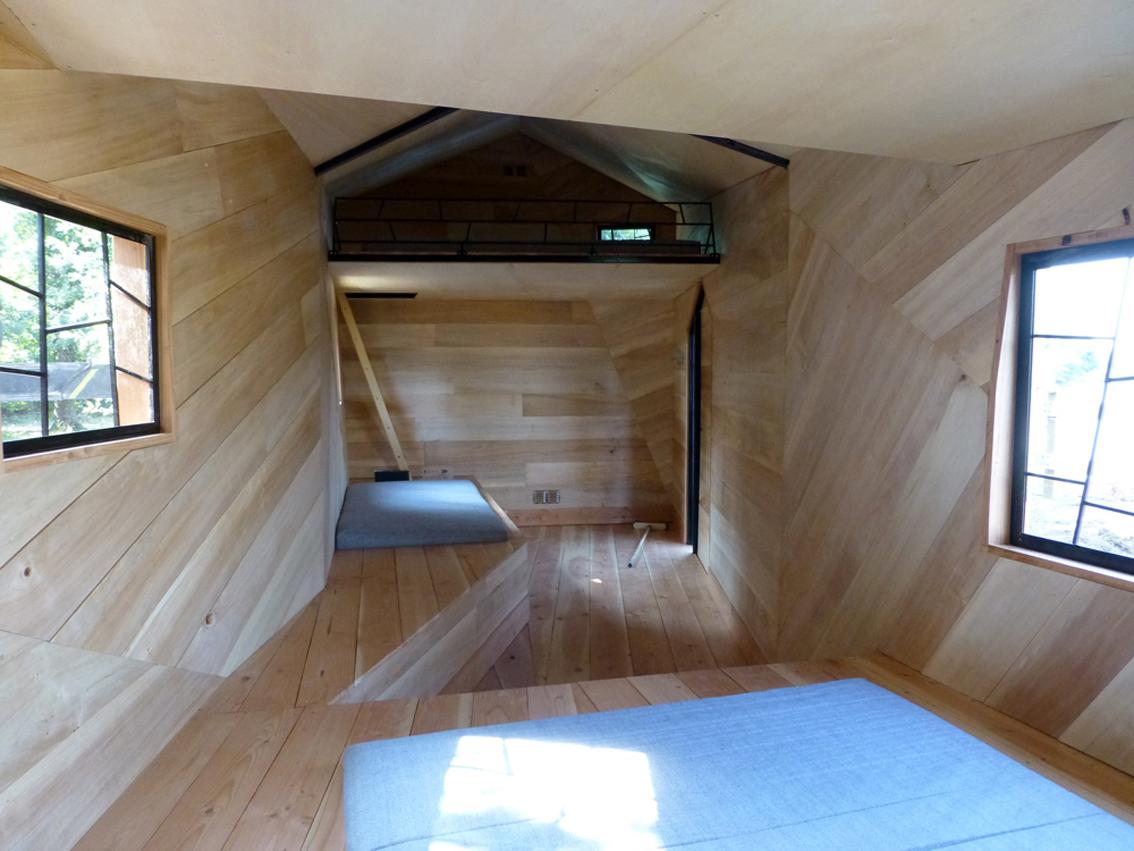 refuge la vouivre - snake design hut